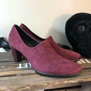 Ecco burgundy suede heels 10